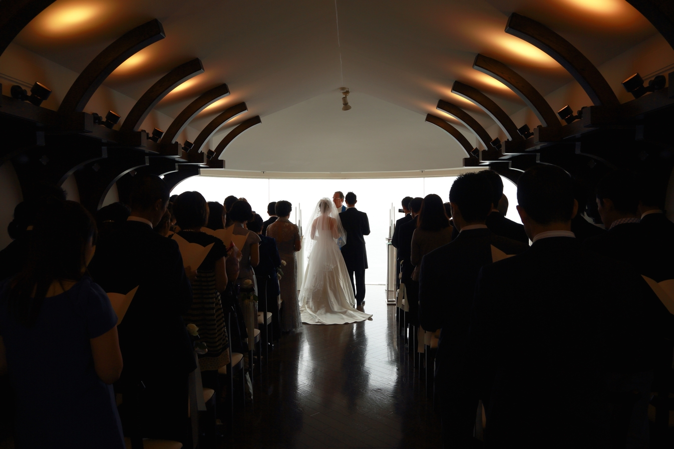 Online Ordained Minister Performing Wedding (Photo)