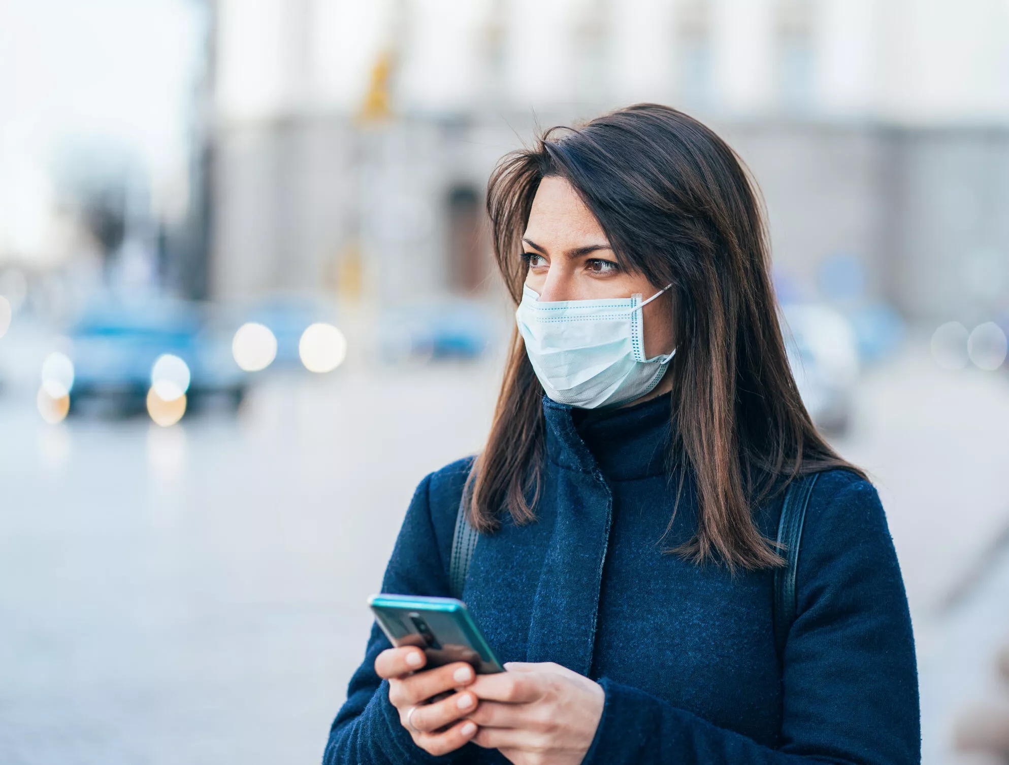 Woman Wearing A Facemask (Photo)